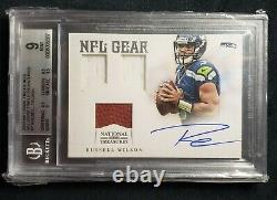 2012 National Treasures NFL Gear Russell Wilson Rookie card Auto Patch /25