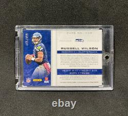 2012 Totally Certified RUSSELL WILSON Rookie Jersey Patch Auto /199 RC