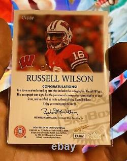 2013 Skybox Autographics Russell Wilson RC Rookie Auto Autograph Card Seahawks