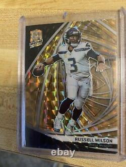 Russel Wilson 2019 Spectra GOLD Prizm #07/15 Seahawks non Auto