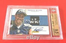 1/1 Russell Wilson - Insigne De Bonnet De Hockey Rock Bgs 9.5 Auto Pour Le Super Bowl